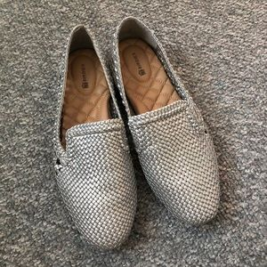 Birdies silver woven flats Size 9
